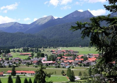 Krün mit Krottenkopf (2.068 m)
