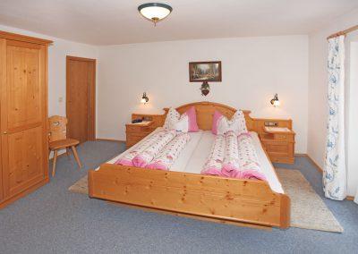 Ferienwohnung Wetterstein - Schlafzimmer